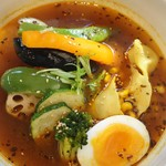 スープカレーの田中さん - 8月のマンスリー 北竜町の野菜たちとエビ餃子スープカレー 1000円