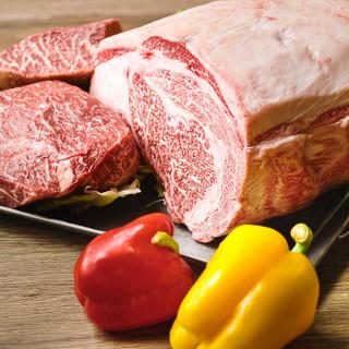 国産牛を一頭買い!肉質や産地にこだわった自慢の肉料理を是非!
