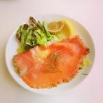 IKEAレストラン - サーモンマリネ399円。