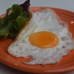 グッドモーニングカフェ - +目玉焼き(白身はシェリに)