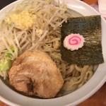 ら~めん コジマル - 麺のアップ