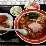 91390993 - 【2018.8.22(水)】Cセット(小かつ丼+ラーメン)850円