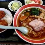 91390999 - 【2018.8.22(水)】Cセット(小かつ丼+ラーメン)850円