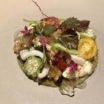 91395101 - 美しい前菜。                       海鮮やお野菜のそれぞれの旨味と食感が楽しい。