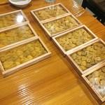 魚虎 - 料理写真:出待ちする藍島の板海胆