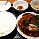 横浜中華街 景珍樓 - 黒酢酢豚ランチ700円