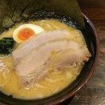 横浜家系ラーメンかまし家 - 料理写真:かまし盛ラーメン醤油