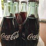 91418964 - ☆コカ・コーラ¥110 税込 × 5 =¥550…酒屋さんならではの 瓶のコーラです♪