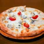 REBECCA - ☆4種類のチーズのピッツァ(*^_^*)☆