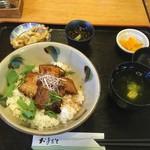 キッチンイナバ - ラフテー丼(1050円)