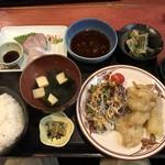 むちゃく - 活〆カンパチの刺身と鶏天=850円
