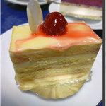 ミロワール - 紅茶とはちみつのケーキ