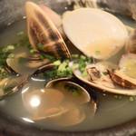 91431077 - 貝の酒蒸し 旨みの詰まったスープたっぷり