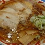らーめん秋田 ひない軒 - チャーシュー麺普通盛り。