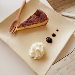 モン ボン カフェ - ランチに+302円でデザート付き(こうたろーのチーズケーキ)