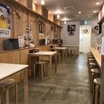 肉そば麺達 - 新しいお店ですから、当然綺麗です(2018.8.24)