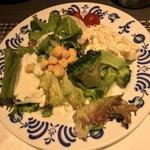 Okuraresutoranyokohamabuffeandodainingusafaia - 珍しくサラダを食べる私