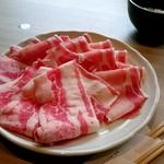 91450532 - 定量[ミックス]のお肉(2枚鍋に入れちゃった後)