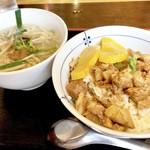 91452230 - 魯肉飯と担仔米粉のセット890円