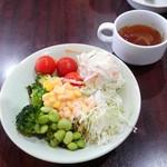 スエヒロ館 - サラダとスープ