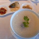 シャングリ・ラ ホテル 東京 - 白身魚のお粥