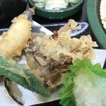 ゆで太郎 - 天ぷら。       美味し。