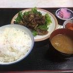 美よし - イノシシの焼肉定食
