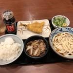 丸亀製麺 - 牛山盛りうどん冷並&天丼用ごはん&あじ天