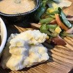 ソラ カフェ - イカのマリネとポテトサラダ
