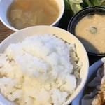 ソラ カフェ - ご飯と味噌汁