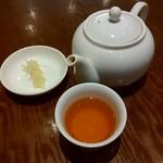 京鼎樓 - 生姜とお茶