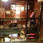 道しるべ - 二階は吹き抜けになっていて、スペースはかなり狭い!
