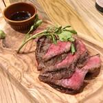 MEAT&WINE ワインホールグラマー - 国産牛イチボのグリル(200g / 1,990円)