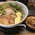 満麺の笑み - 冷やし塩ラーメンとメンマ 1000円