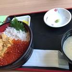 91485789 - 三色丼2500円