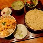 """天ぷら 左膳 - """"天とじ丼とお蕎麦のセット"""""""