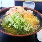 Sanukiudommurasaki - 冷やしかけうどん並340円 いなり70円