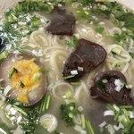 極 蘭州拉麺 - 蘭州牛肉拉麺のアップ