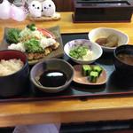 五郎丸 - 料理写真:おろし焼とんかつ定食
