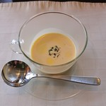 91504692 - ピーナツカボチャのスープ