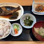 かどや - 料理写真:煮魚定食