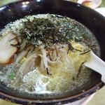慶華楼 - 料理写真:塩ラーメン