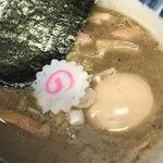 91510998 - チャーシューも煮卵も美味い。