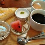 グランチェスター - 料理写真:Aセット400円 ホットコーヒー