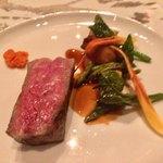 SANKARA HOTEL&SPA 屋久島 - 料理写真:二階のレストランokasのメインはなかやま黒牛のグリルでした。