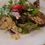 モトリーノ - 料理写真:ペアランチの前菜サラダ二人ぶん
