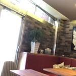 CL2 coffee - テーブル席