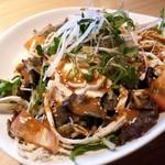 隠れ家個室居酒屋 鶏の久兵衛 - 蒸し鶏と豆腐のバンバンジーサラダ