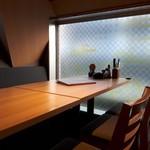 隠れ家個室居酒屋 鶏の久兵衛 - 半個室風