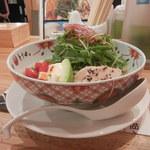 博多担々麺 とり田 - やって来ました